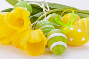 Fröhliches Oster-Arrangement